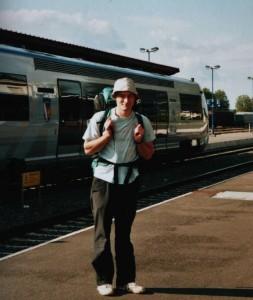 Start zur Interrailtour am Bahnhof in Haguenau, Elsaß, Oktober 2003.