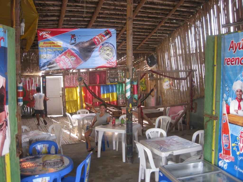 Bei Julián und seiner Familie verbringe ich einige nette Stunden. Im Fischerdorf San Pablo an der Küste Ecuadors