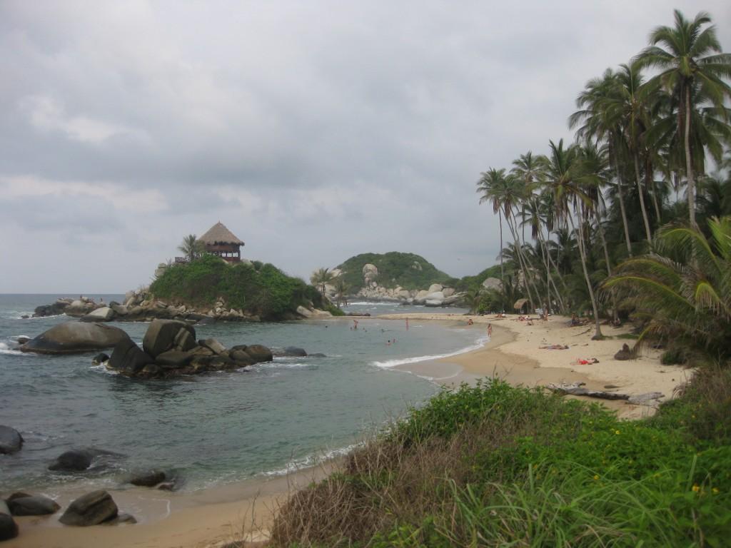 Postkartenreifer Traumstrand an der kolumbianischen Karibikküste