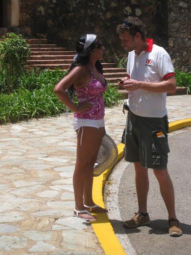 In Venezuela gibt es besonders attraktive und hübsche Frauen. So wie diese Touristin auf der Isla de Margarita, Venezuela