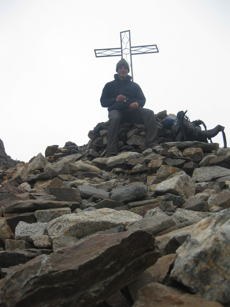 Am Pass Apacheta Takesi, wolkenverhangen