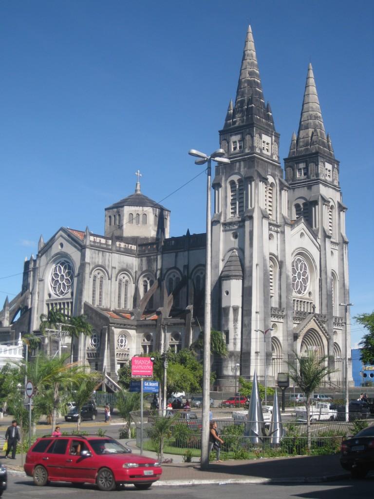 Die imposante Kathedrale im Zentrum von Fortaleza, ganz in der Nähe des Mercado central