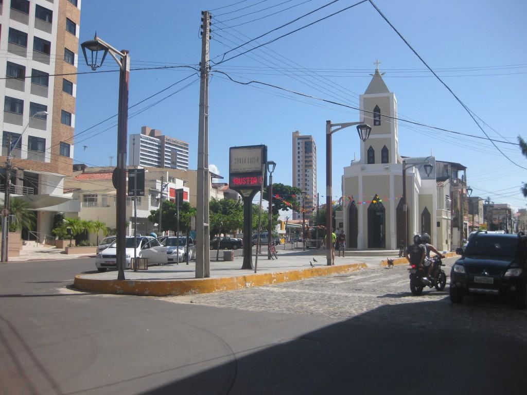 Kleine Kirche an der Praia de Iracema, wo ich abends zu einer kleinen Feier im Rahmen der Festas Juninas schlenderte
