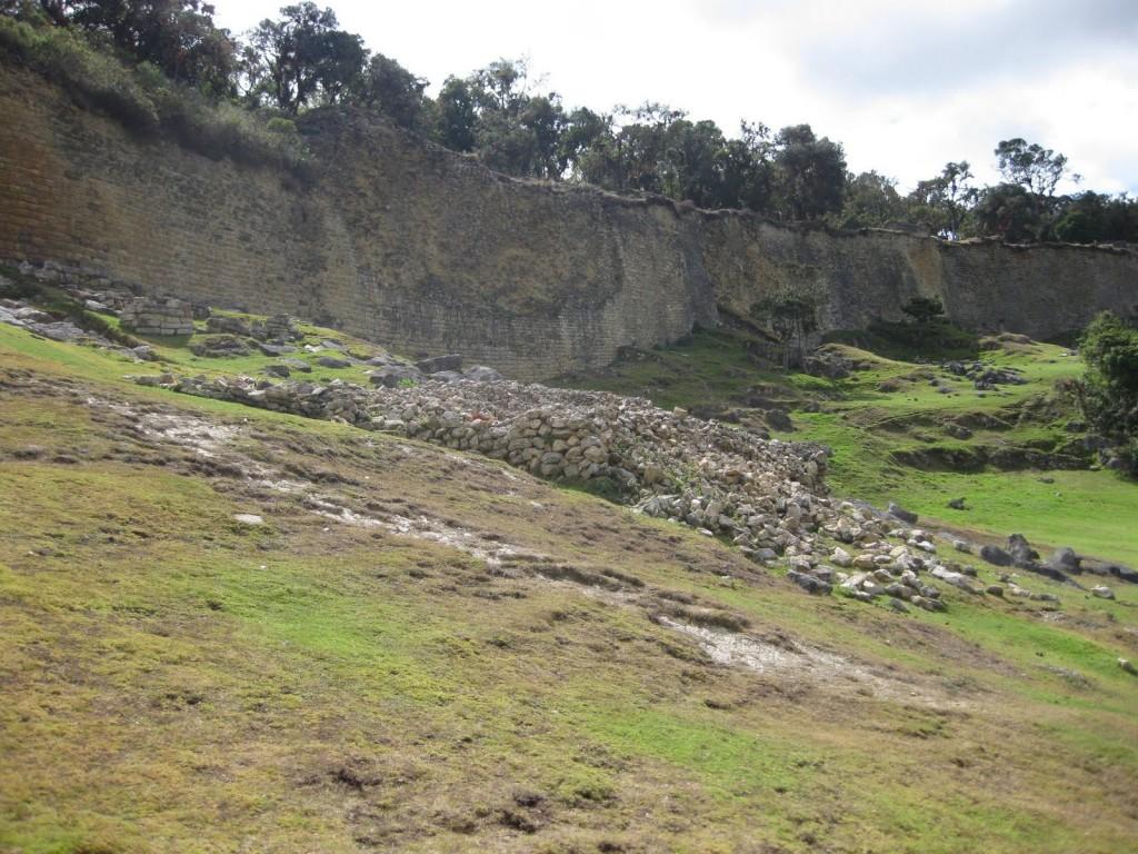 Die Stadtmauern von Kuelap