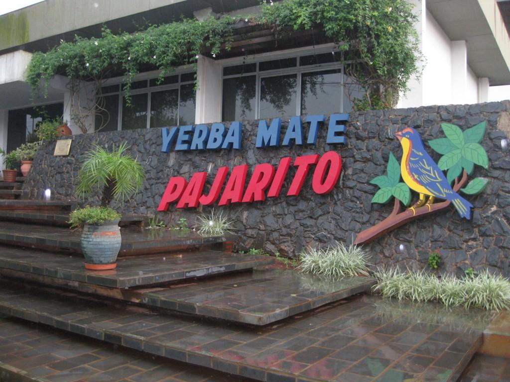 "Eingang zur Mate-Tee-Fabrik von ""Pajarito"". An dem Tag leider geschlossen."