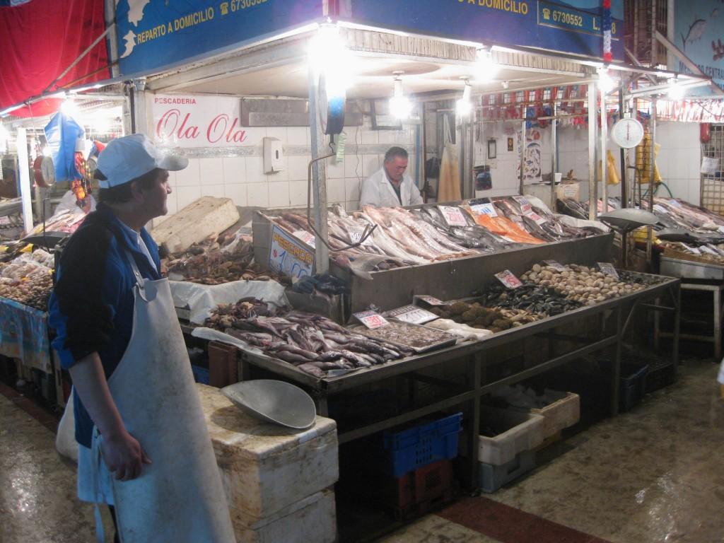 Fisch- und Meeresfrüchte-Stand auf dem Mercado Central