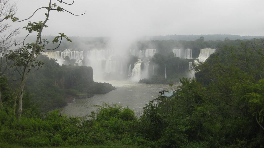 Überblick auf die Wasserfälle von der brasilianischen Seite aus