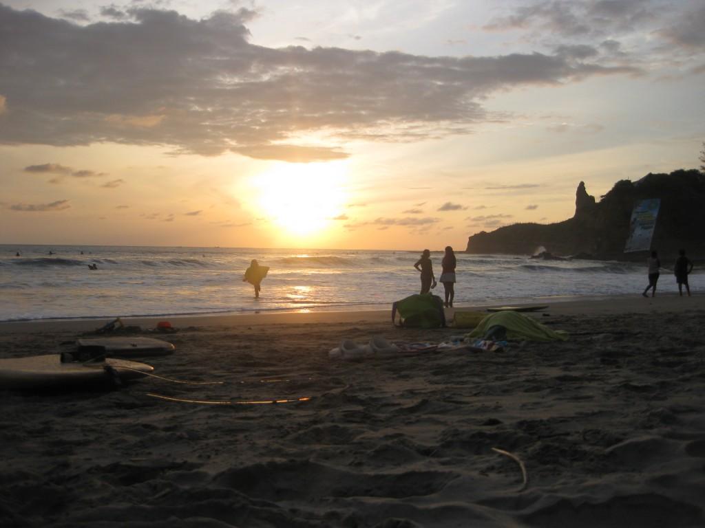 Abendstimmung am Strand von Montañita