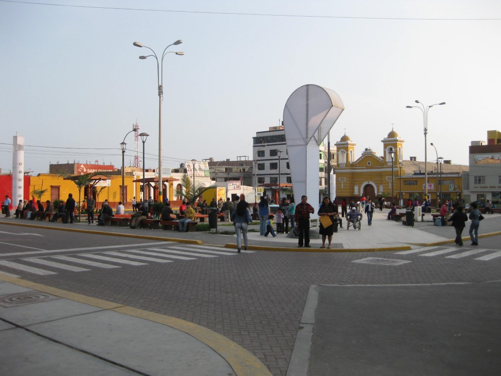 Plaza de Armas, der zentrale Platz von Barranca