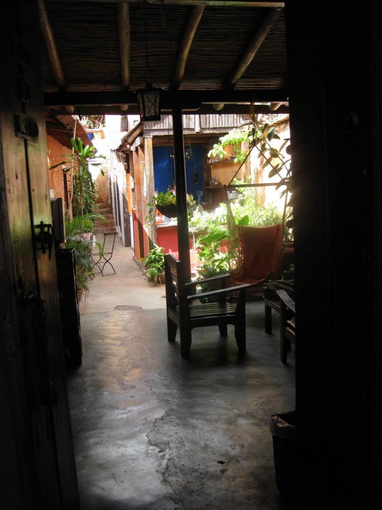 Auch ein kleiner, netter Innenhof ist vorhanden. Dort befindet sich auch die Küche.