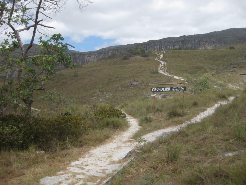 Wanderweg zum Cachoeira do Tabuleiro