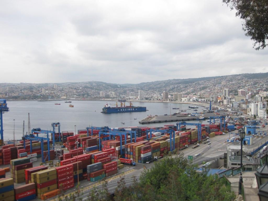 Ausblick über den Hafen und die Bucht von Valparaíso