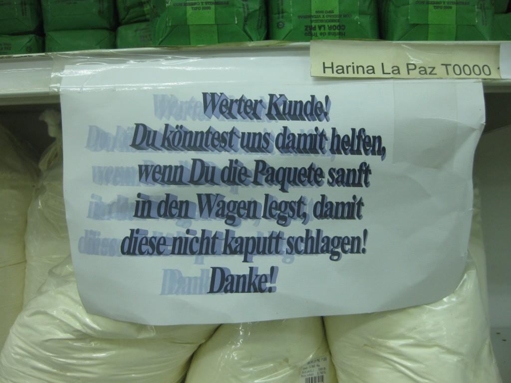 Deutscher Supermarkt mit deutscher Ordnung in deutscher Kolonie Loma Plata in Paraguay