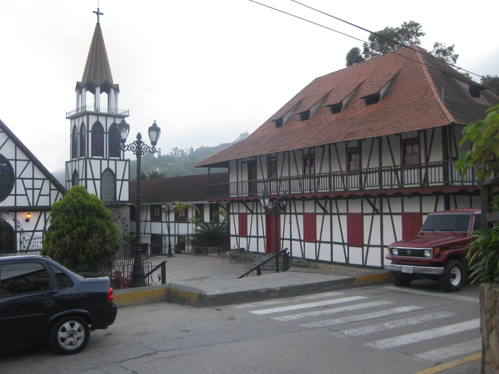 Fachwerkarchitektur prägt das Stadtbild von Colonia Tovar
