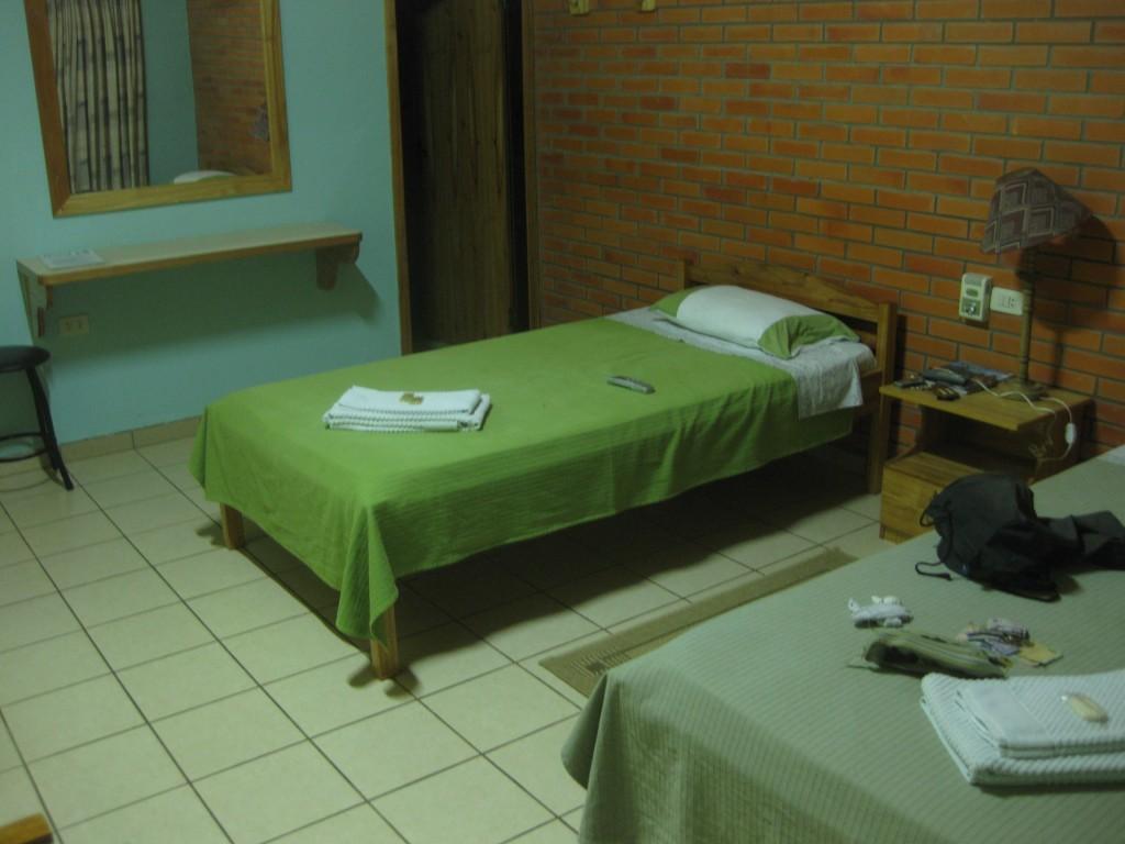 Unterkünfte Südamerika: Eine der teuersten Übernachtungen meiner Reise ausgerechnet in Paraguay: In einem Hotel in Loma Plata, deutsche Kolonie im Chaco